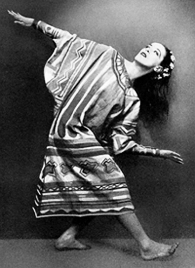 Hanni Jaeger dance pose